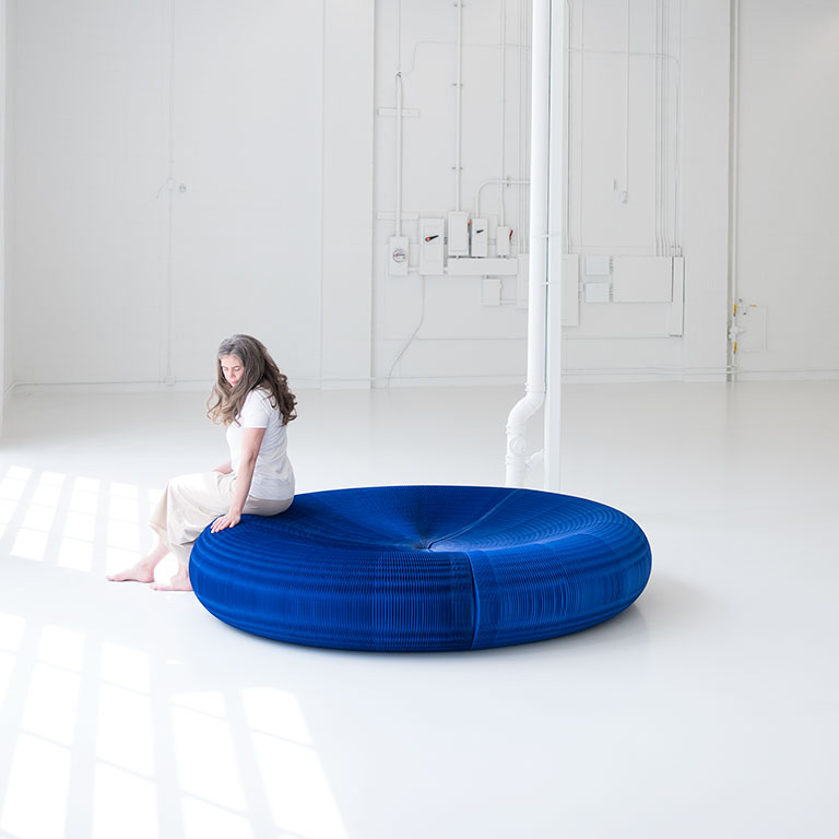 softseating Lounger - Flexible Paper Furniture