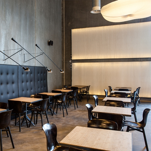 molo cloud softlight pendants and thinwall + LED at the Farumhus Konditori cafe in Herlev, Denmark