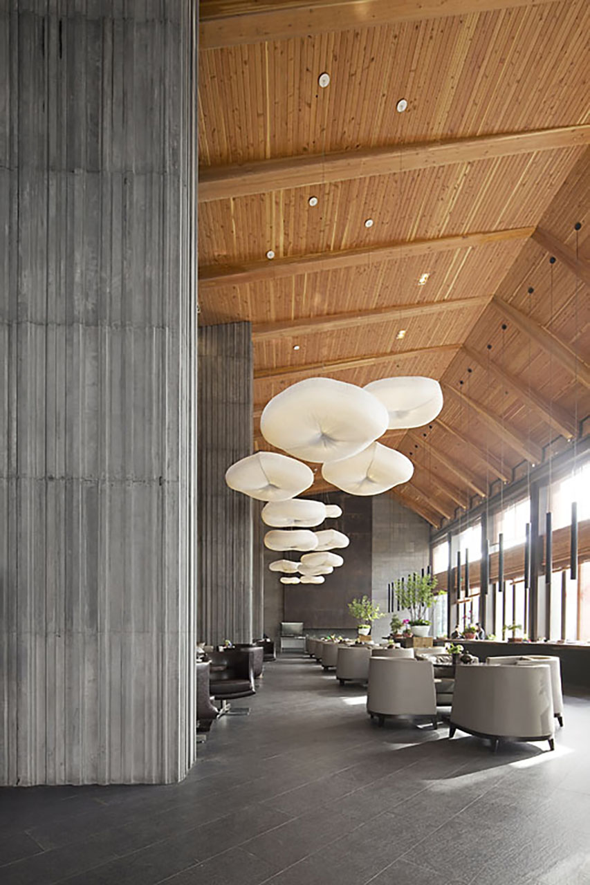 molo cloud light pendants in the Vanke Clubhouse · Yangzhou, China
