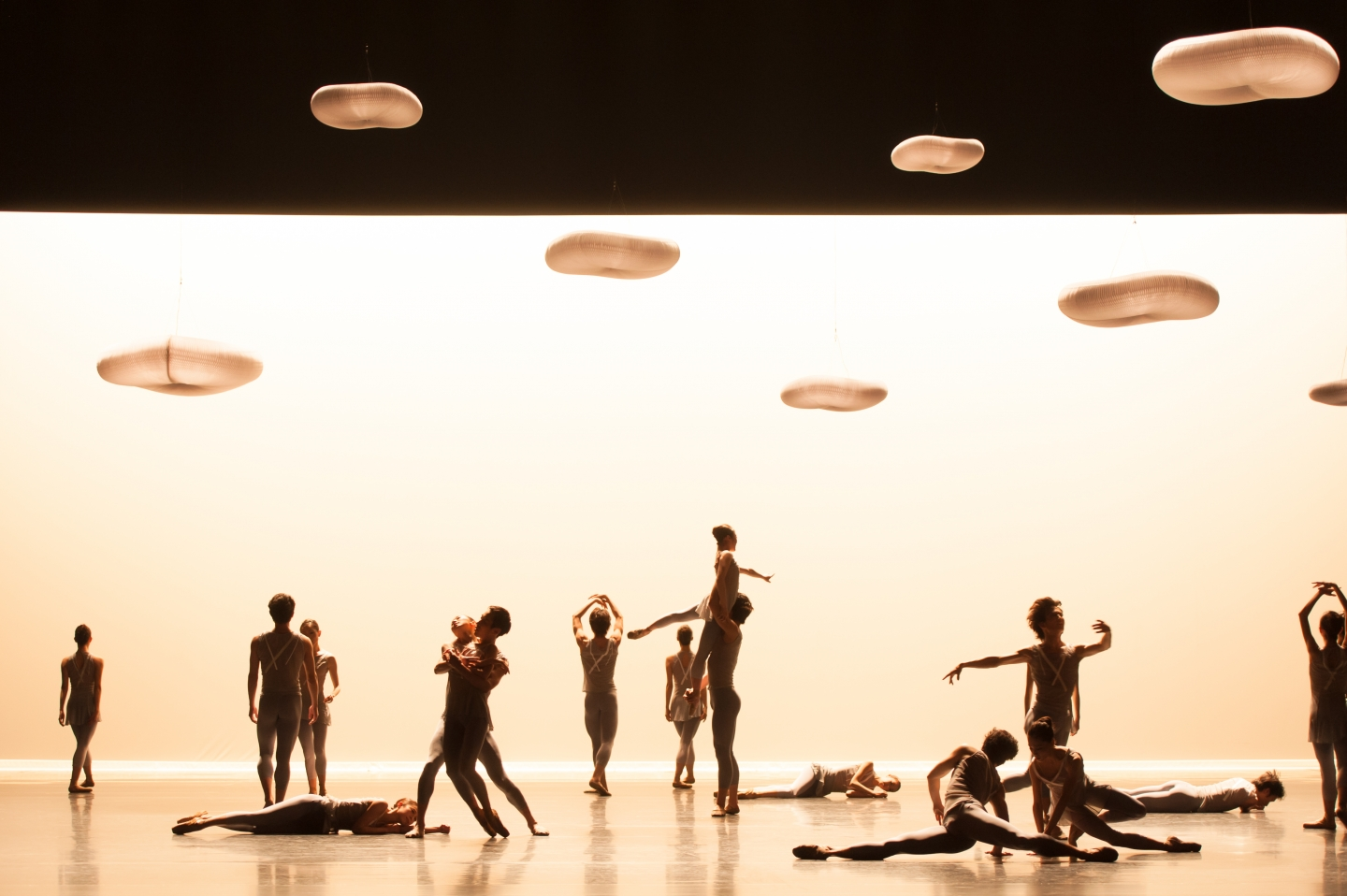 molo cloud pendant lighting for Escaping the Weight of Darkness choreographed by Jessica Lang and performed by the National Ballet of Japan