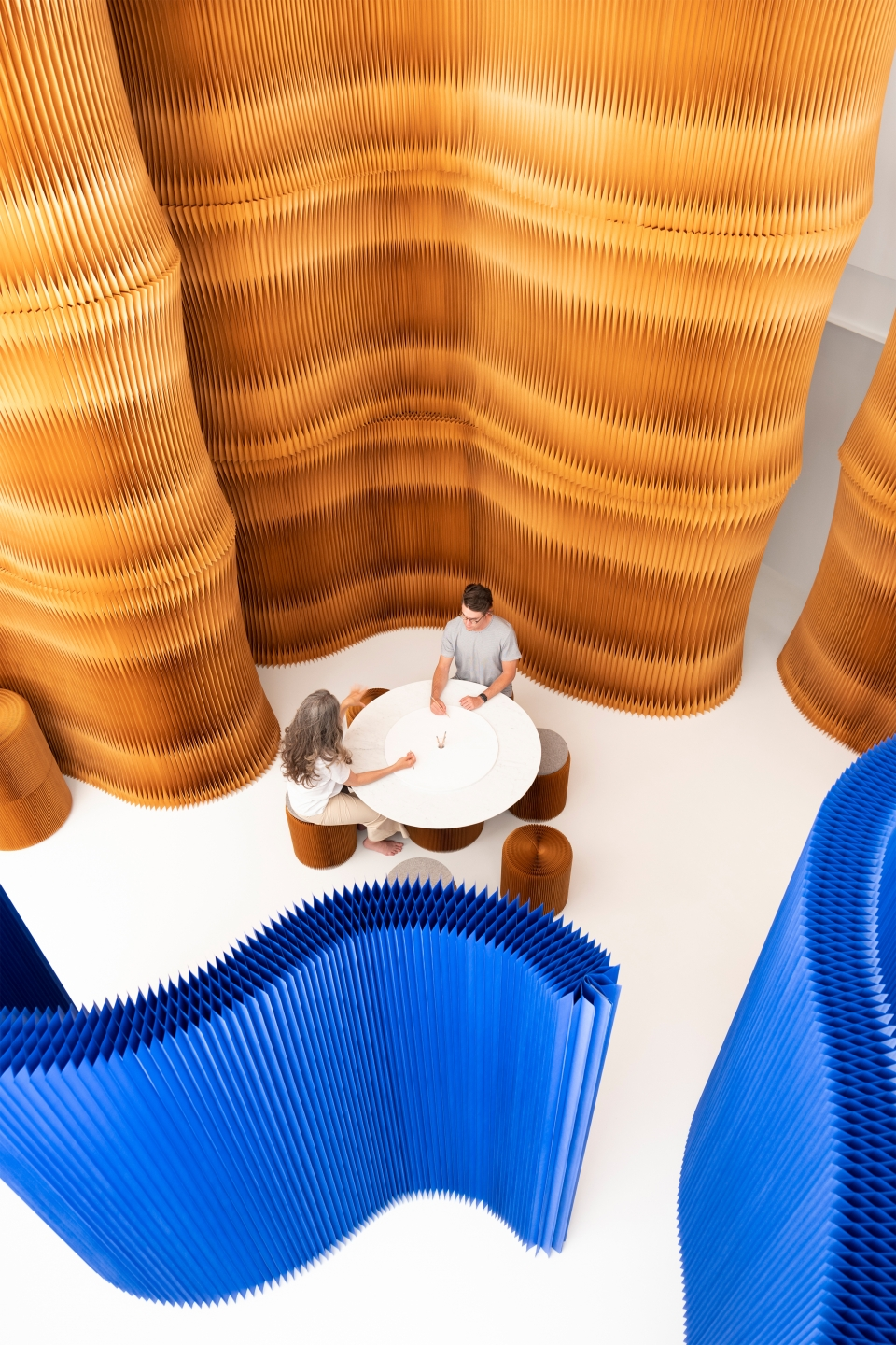 folding wall partitions - indigo blue - brown - soft collection by molo