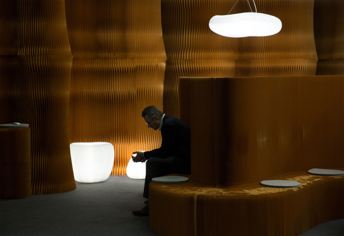urchin softlight and accordion wall partition by molo - orgatec exhibit 2018