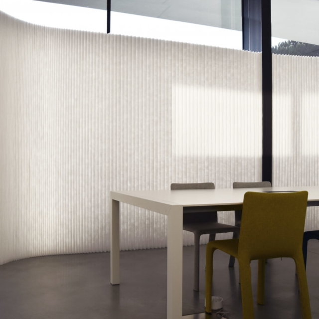 white fabric acoustic office wall dividers by molo - Kristalia Office, Italy